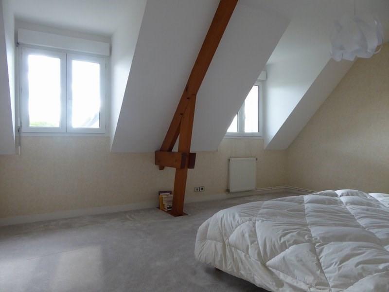 Rental house / villa Maurepas 1838€ CC - Picture 4