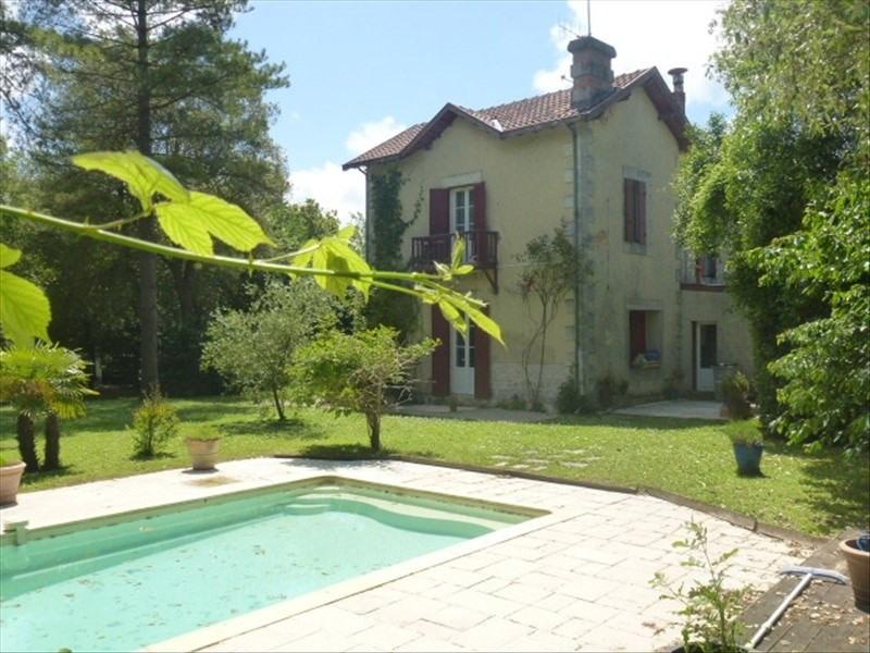 Sale house / villa Aigrefeuille d aunis 369600€ - Picture 1