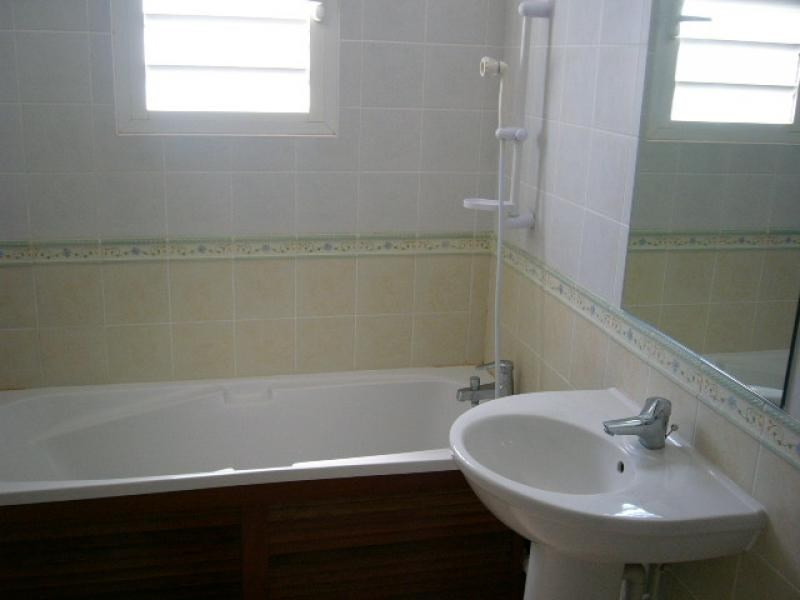 Rental apartment St denis 1 229€ CC - Picture 5