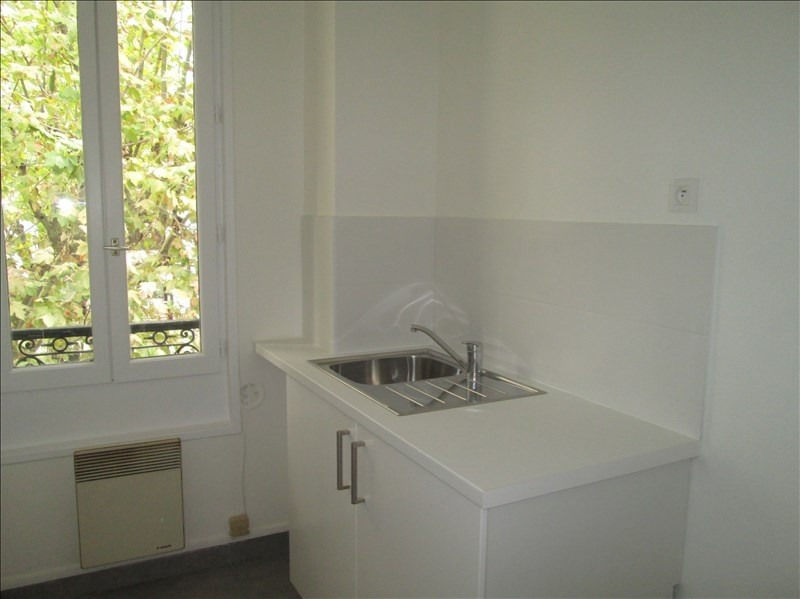 Rental apartment Viroflay 603€ CC - Picture 2