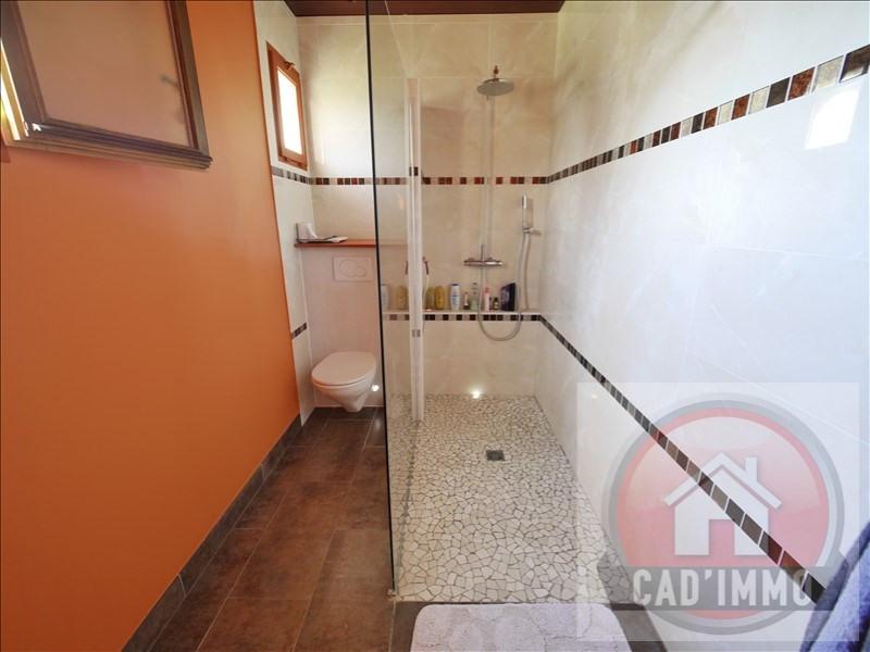 Sale house / villa St pierre d eyraud 269000€ - Picture 7