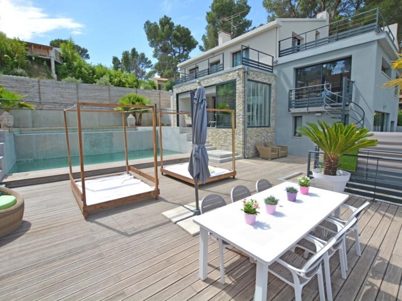 Deluxe sale house / villa Villeneuve les avignon 1090000€ - Picture 2