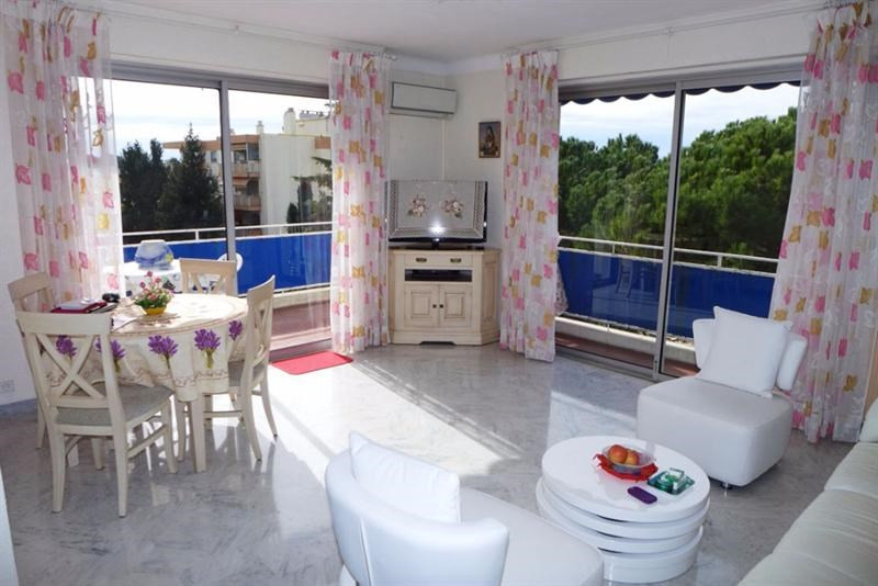 Sale apartment Antibes 328 000€ - Picture 1