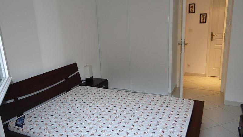 Location vacances appartement Cavalaire 400€ - Photo 13