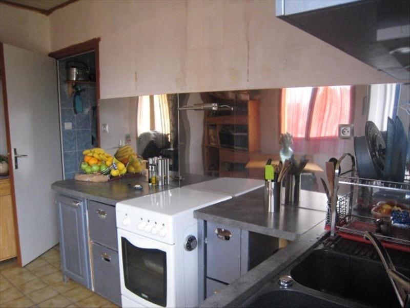 Sale house / villa Puy guillaume 70850€ - Picture 1