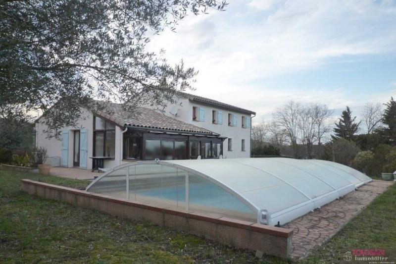 Maison traditionnelle – volumes – terrain paysage - vue