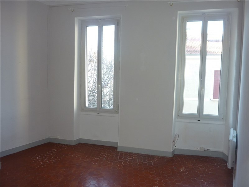 Rental apartment Marseille 4ème 480€ CC - Picture 1
