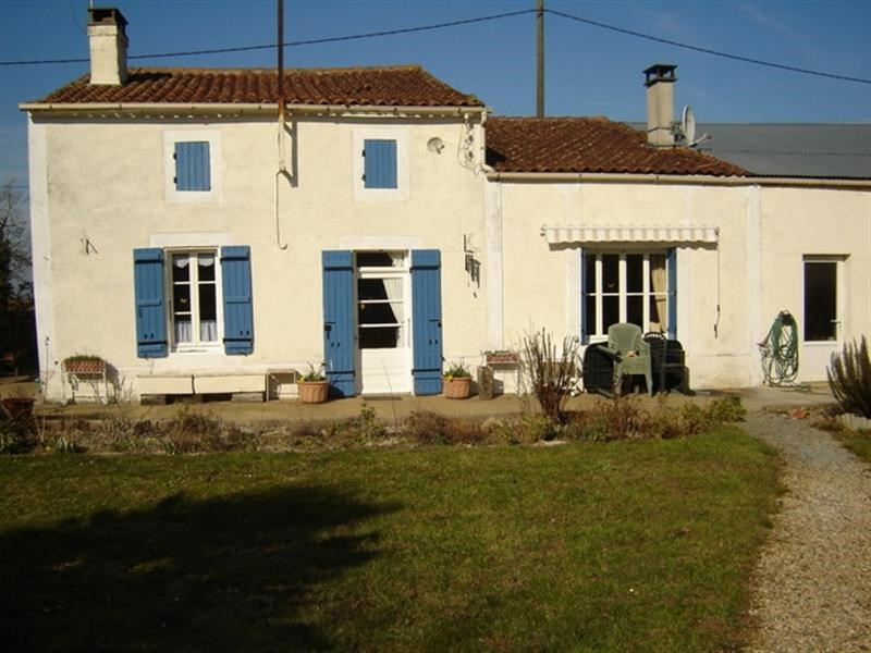 Sale house / villa Saint-jean-d'angély 188 200€ - Picture 1