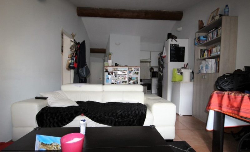 Sale apartment Lambesc 150 000€ - Picture 2