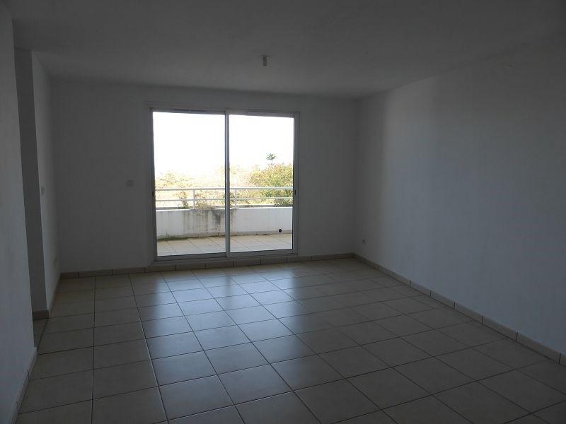 Location appartement St denis 607€ CC - Photo 2