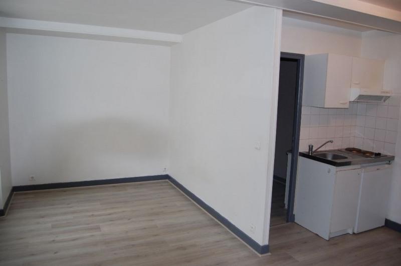 Location appartement La rochelle 455€ CC - Photo 1