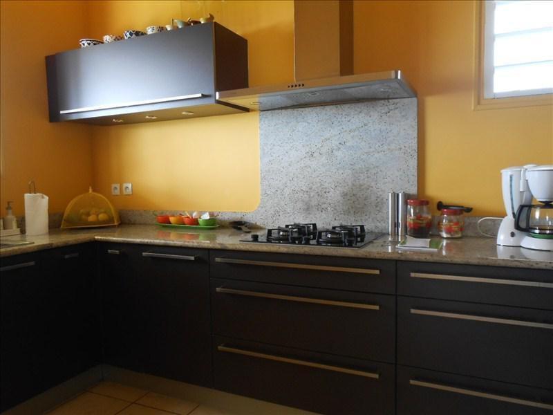 Deluxe sale house / villa Vieux habitants 680000€ - Picture 2