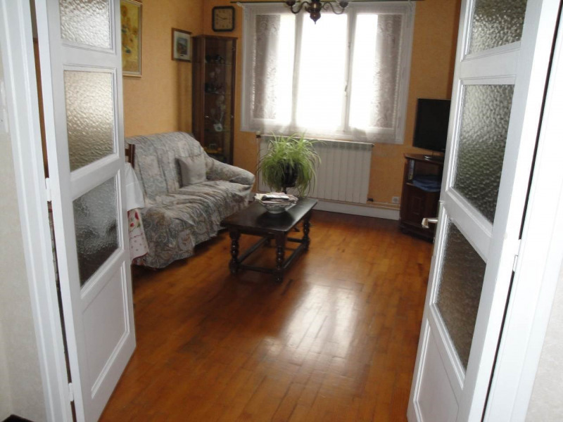 Sale apartment Annecy 168 000€ - Picture 2