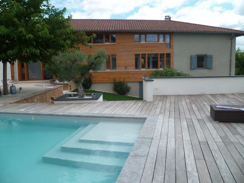 Deluxe sale house / villa Bessenay 640000€ - Picture 1