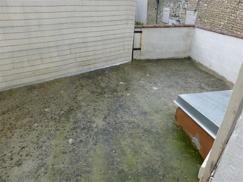 Rental apartment Saint-jean-d'angély 470€ CC - Picture 4