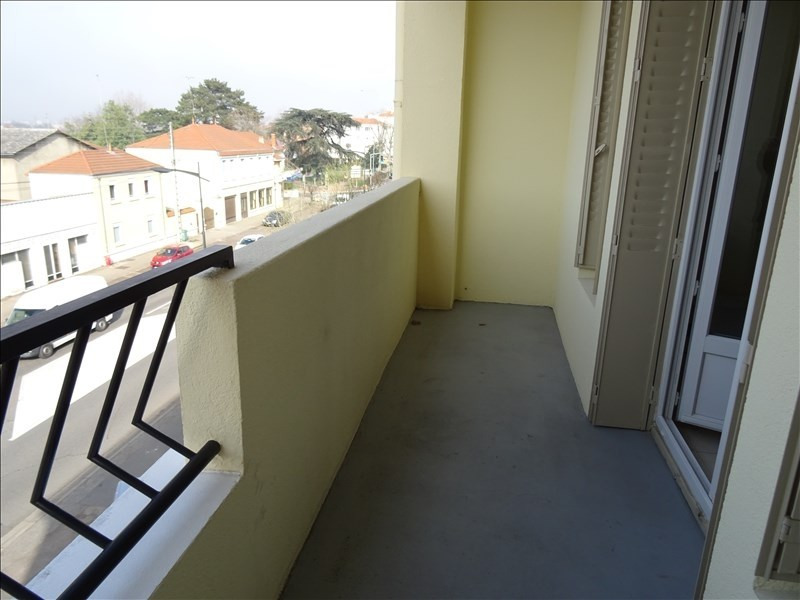 Location appartement Le coteau 390€ CC - Photo 3