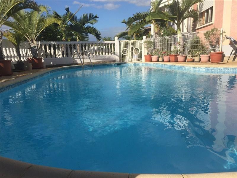 Deluxe sale house / villa St gilles les bains 729000€ - Picture 1