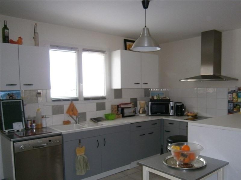 Sale house / villa St savin 190000€ - Picture 4