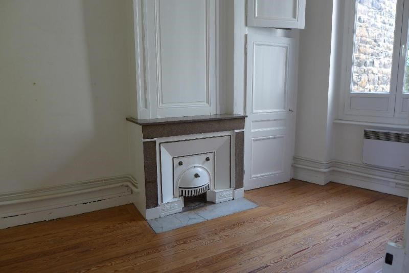 Location appartement Caluire 686€ CC - Photo 3