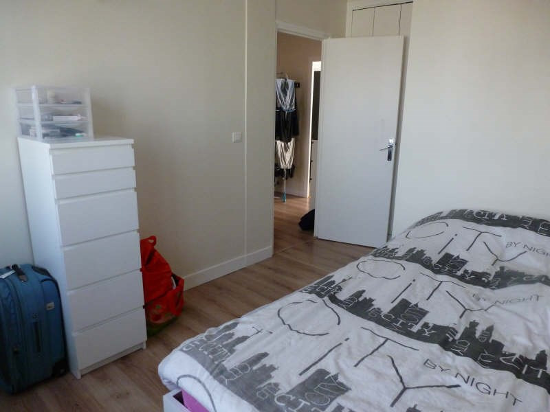Location appartement Coignieres 725€ CC - Photo 4