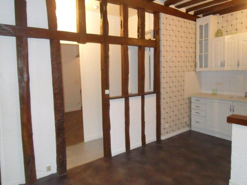 Location appartement Troyes 402€ CC - Photo 3