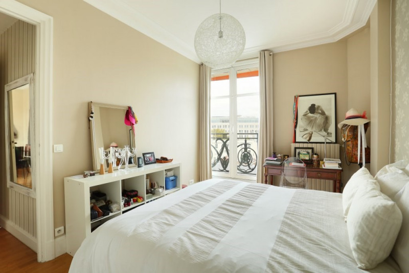 Vente de prestige appartement Paris 7ème 1125000€ - Photo 6