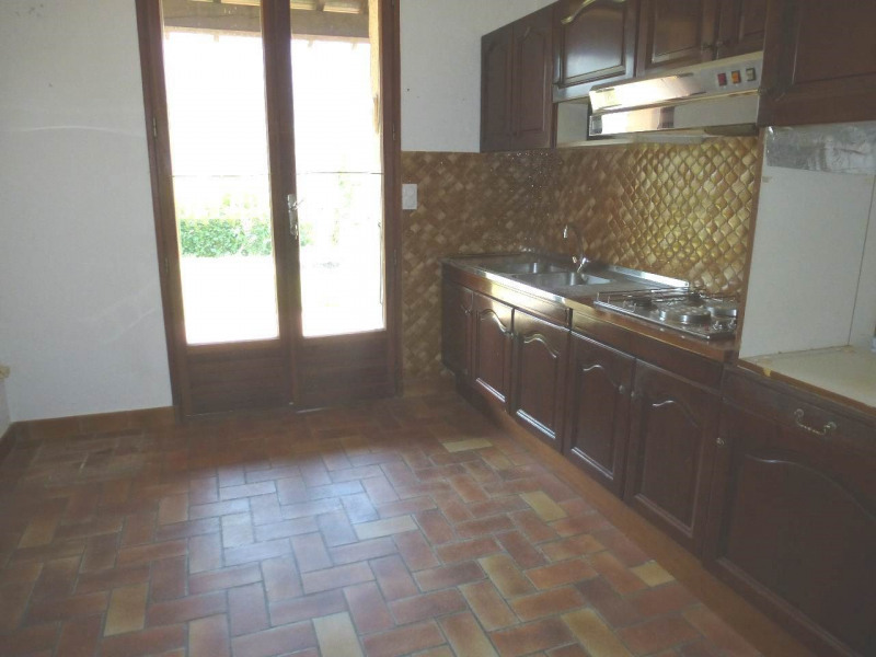 Location maison / villa Thueyts 615€ CC - Photo 6
