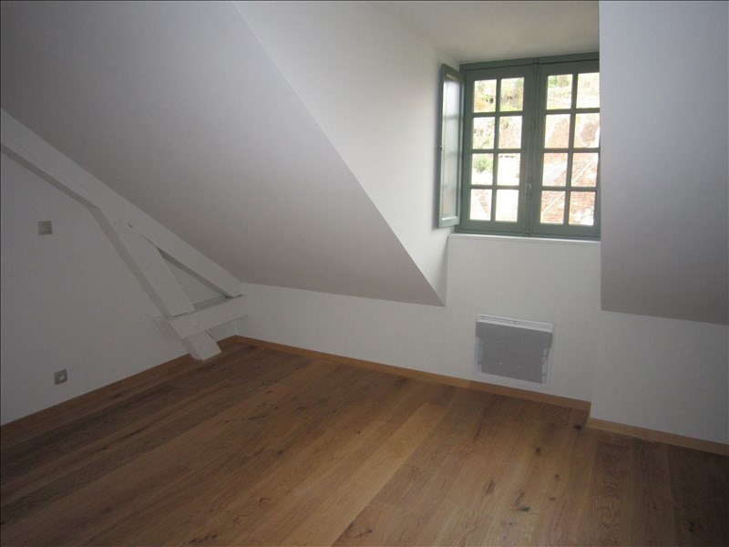 Rental apartment St cyprien 513€ CC - Picture 4