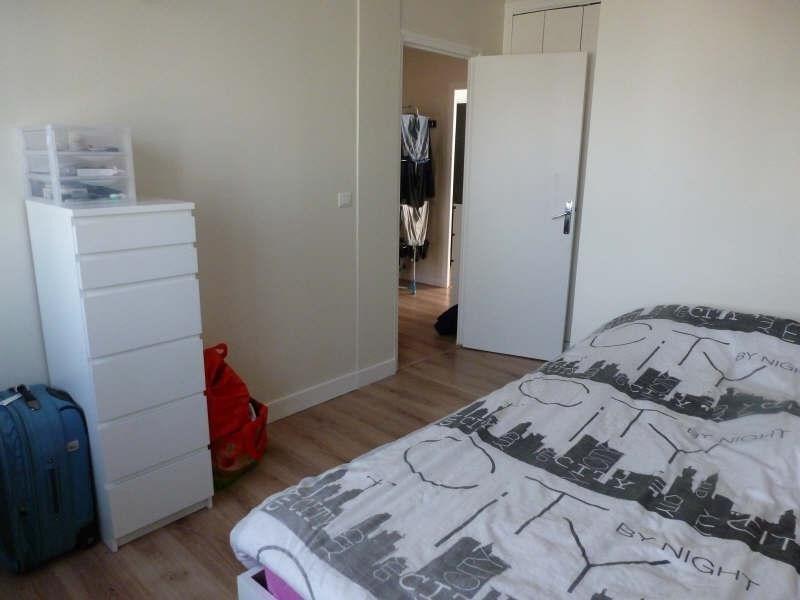 Rental apartment Coignieres 725€ CC - Picture 3