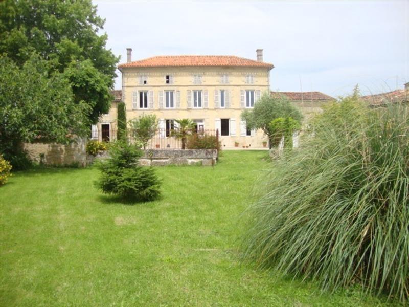 Vente maison / villa Saint-jean-d'angély 254400€ - Photo 2
