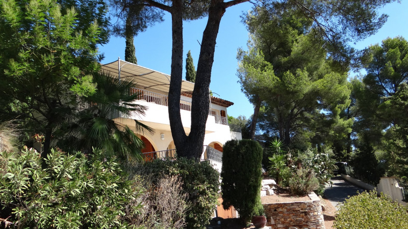 Vacation rental house / villa Cavalaire sur mer 1 500€ - Picture 4