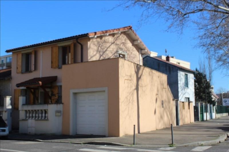 vente maison villa 6 pi ce s lyon 8 me 132 m avec 3 chambres 415 000 euros tendance. Black Bedroom Furniture Sets. Home Design Ideas