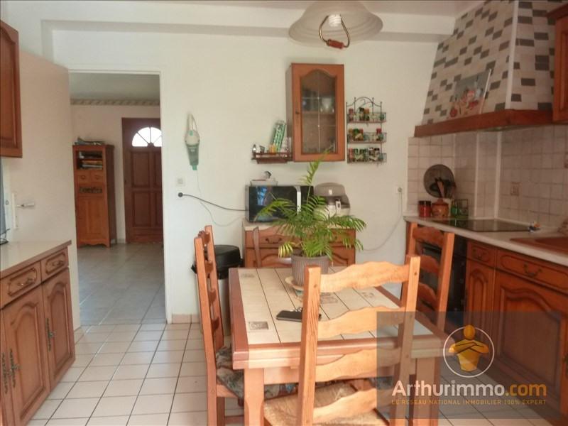 Sale house / villa Savigny le temple 281000€ - Picture 5