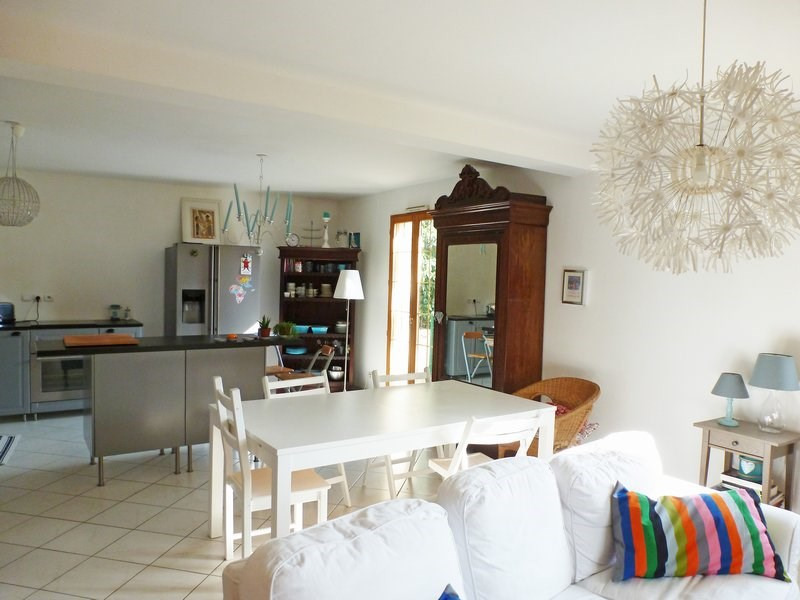 Rental house / villa Maurepas 1 537€ CC - Picture 2