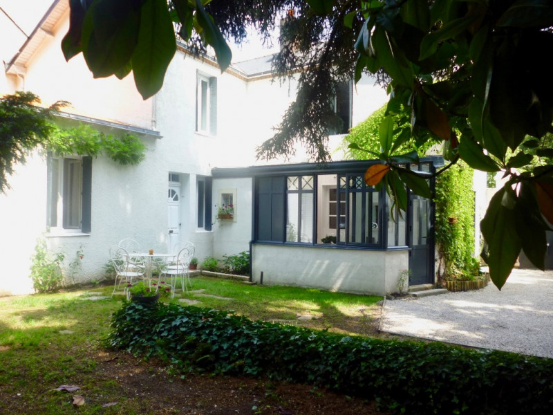 Deluxe sale house / villa Nantes 589 950€ - Picture 1