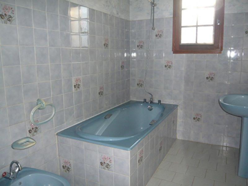 Rental house / villa Chateau l eveque 735€ CC - Picture 5