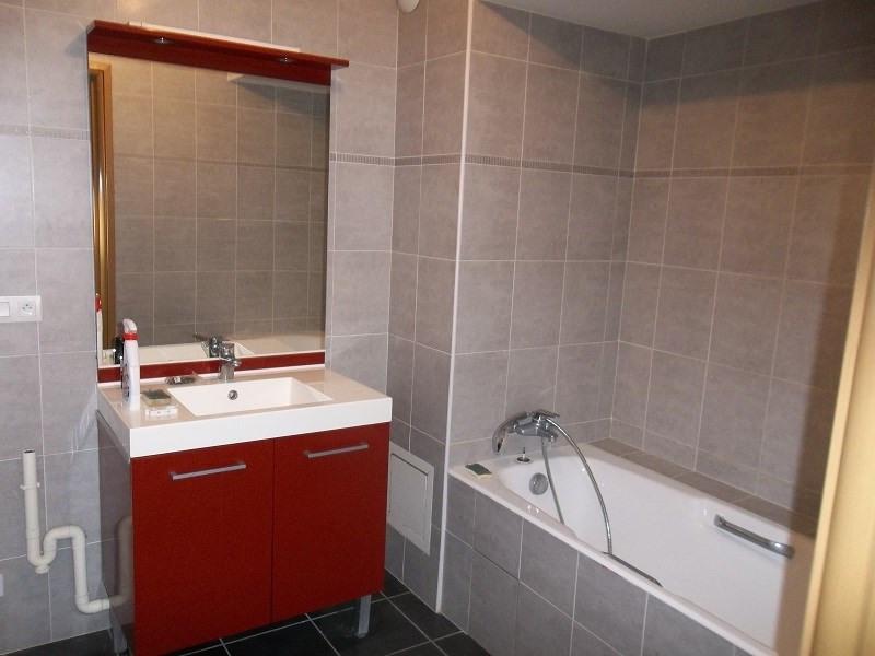 Rental apartment Challes les eaux 920€ CC - Picture 2