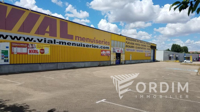 Location local commercial Moneteau 108 000€ HC - Photo 1