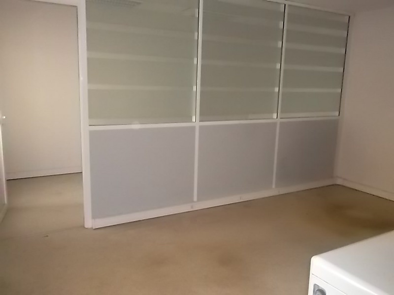 Location local commercial Saint priest 1300€ +CH - Photo 2