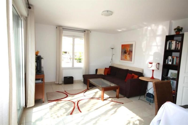 Sale apartment Juan les pins 269 000€ - Picture 2