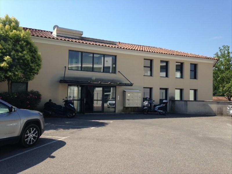 Rental office Le tholonet 1185€ HT/HC - Picture 1