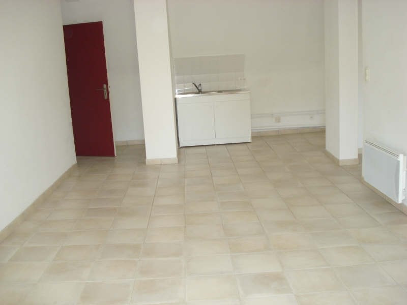 Rental apartment Beaupreau 367€ CC - Picture 1