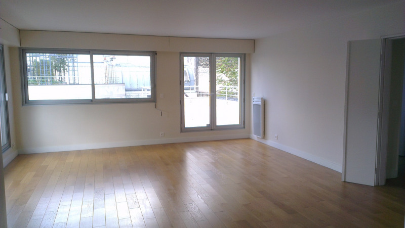 Location appartement Paris 9ème 4 780€ CC - Photo 1