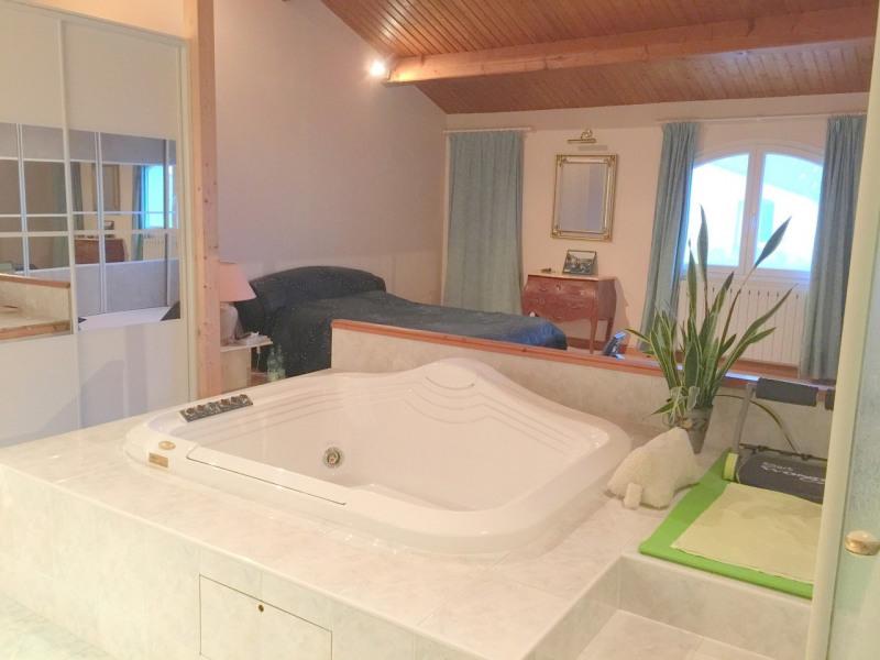 Sale house / villa Salles-d'angles 369250€ - Picture 5