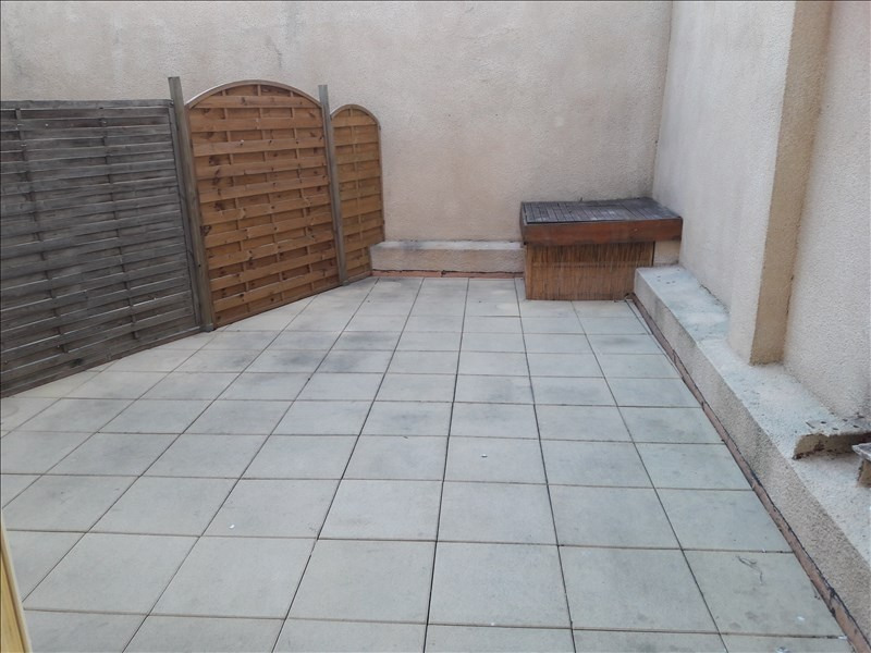 Location appartement Marseille 10ème 591€ CC - Photo 2
