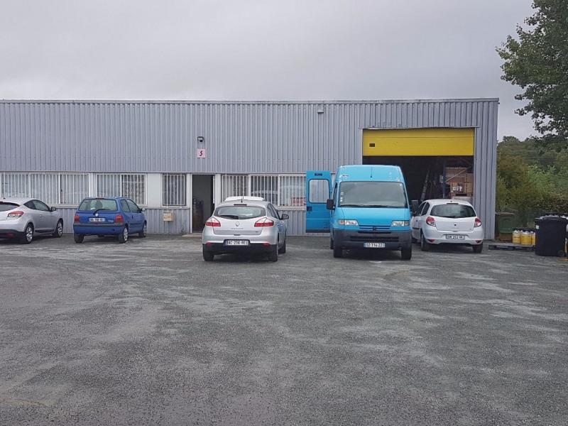 Location Local d'activités / Entrepôt Yvrac 0