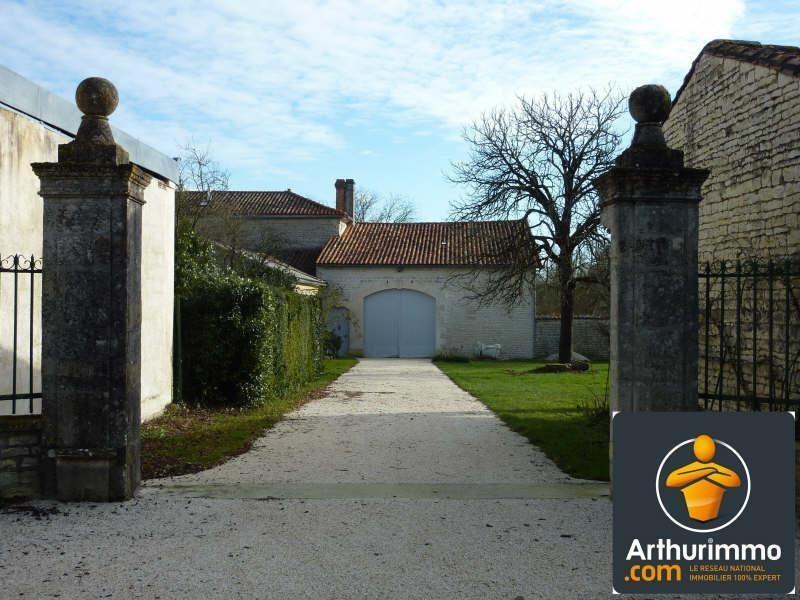 Sale house / villa Aigre 399000€ - Picture 2