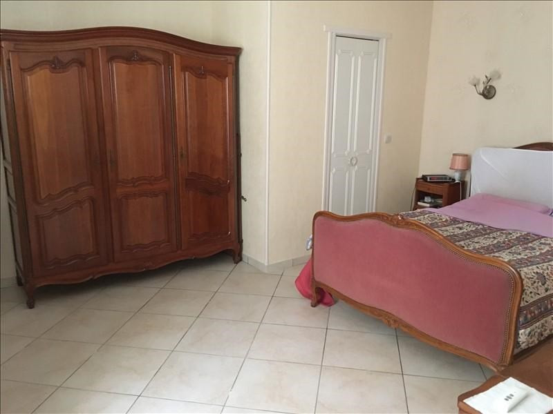 Sale house / villa Villeneuve la guyard 255000€ - Picture 8