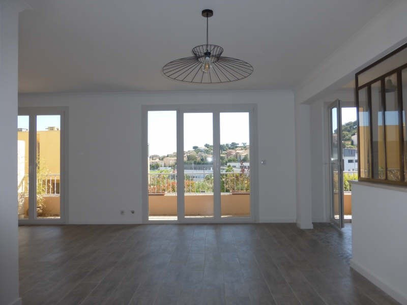 Sale apartment Carqueiranne 323000€ - Picture 2