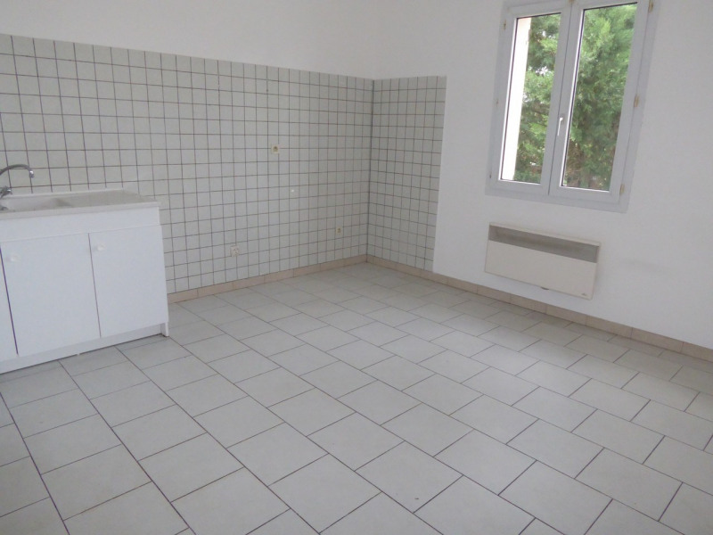 Location maison / villa Vogüé 618€ CC - Photo 7
